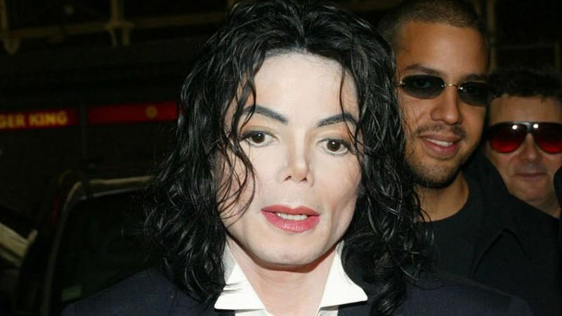 Acusador de Michael Jackson critica a MTV por manter o nome do cantor pop em prêmio