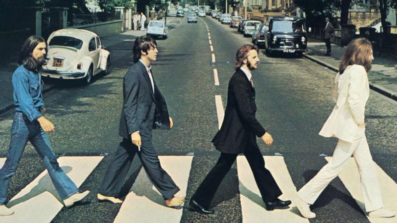 O que motivou a saída de George Harrison dos Beatles?