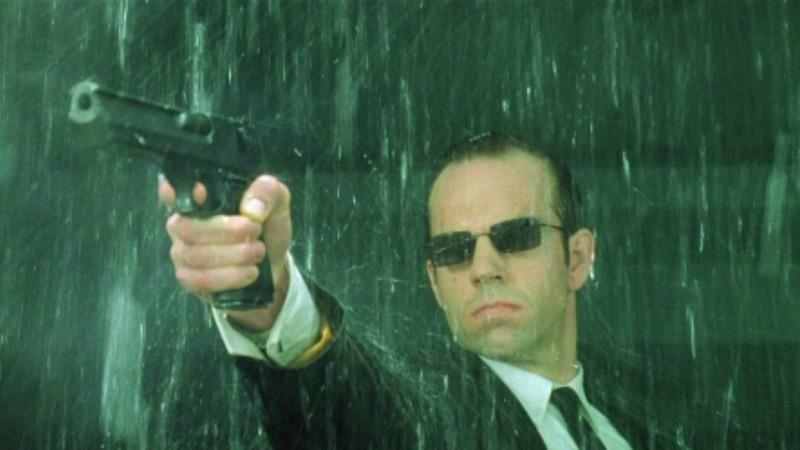 Vírus de Whatsapp com nome de rival de Keanu Reeves em Matrix afeta 25 milhões de celulares