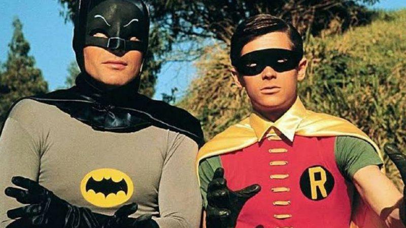 Rolling Stone · Médicos tentaram 'diminuir o pênis' do Robin da série dos  anos 1960