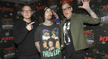 None - Mark Hoppus, Travis Barker e Matt Skiba (Foto:Amy Harris / Invision / AP)