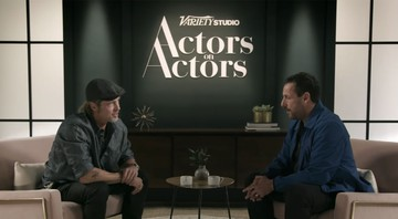 None - Brad Pitt e Adam Sandler no quadro Actors on Actors, da Variety (Foto:Reprodução/YouTube)