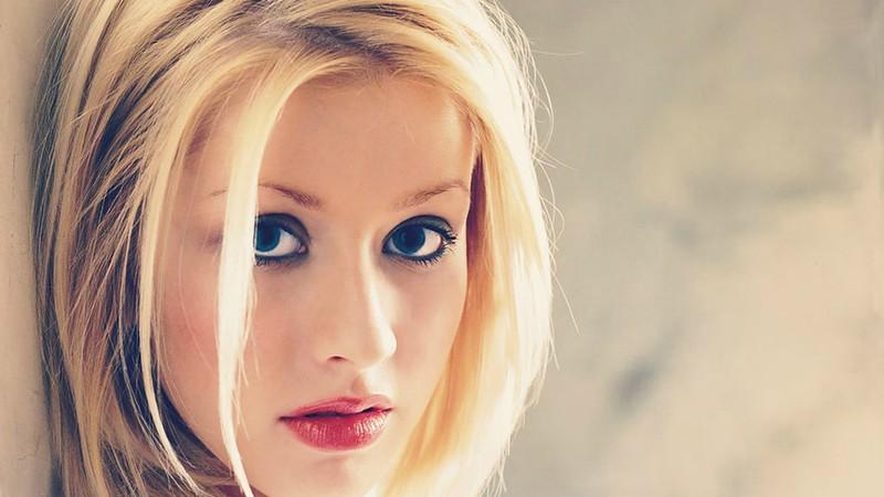 Disco de Christina Aguilera que desbancou Britney Spears faz 20 anos com edições comemorativas em vinil