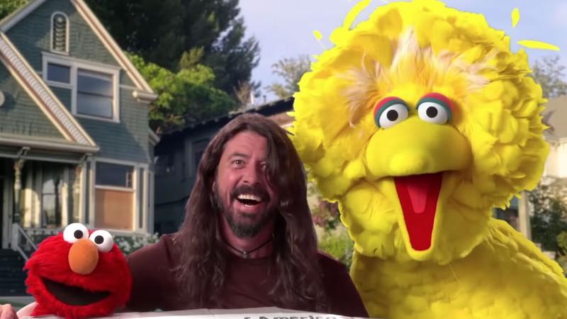 Resultado de imagem para Dave Grohl participa de novo vídeo da Vila Sésamo
