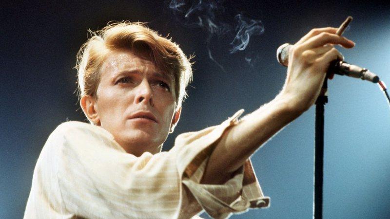O dia em que David Bowie foi preso por carregar material nazista [FLASHBACK]
