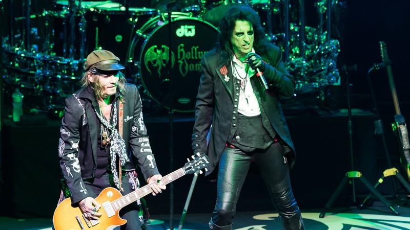 Johnny Depp canta Heroes, do David Bowie, com sua banda Hollywood Vampires; ouça
