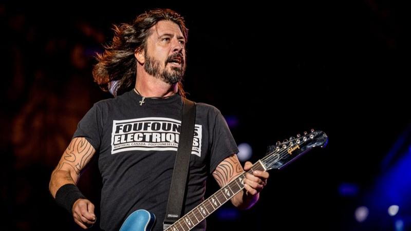 Dave Grohl fez cover dos Beatles e do The Who no colégio; ouça