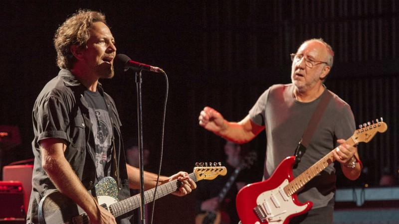Eddie Vedder sobe ao palco do The Who para cantar música do disco