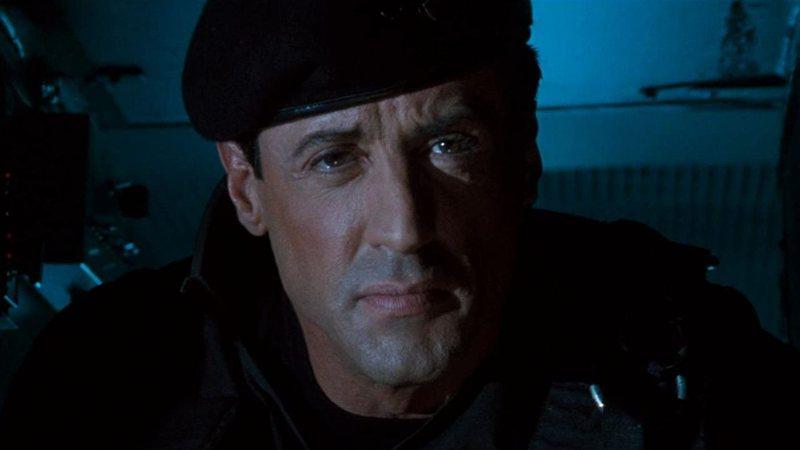 Stallone, o profeta. Um filme de Stallone previu distanciamento social há 27 anos