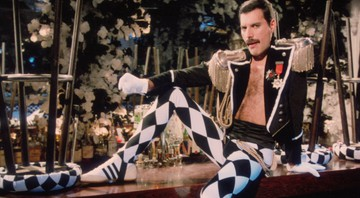 None - Freddie Mercury no clipe de Living On My Own (Foto: Reprodução/Youtube)