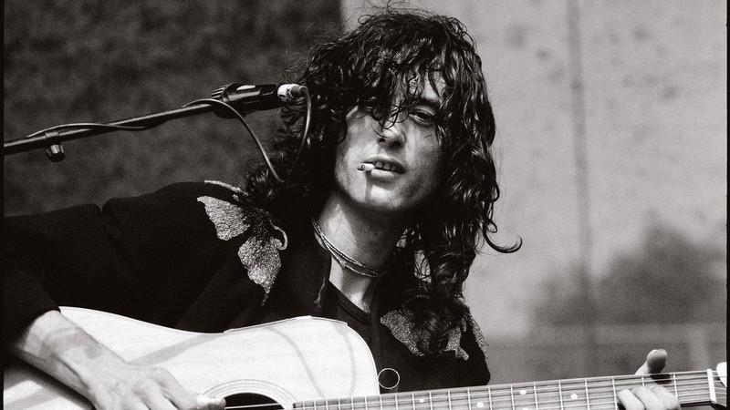 """Qual música do Led Zeppelin mostrou Jimmy Page como um """"guitarrista pavão""""?"""