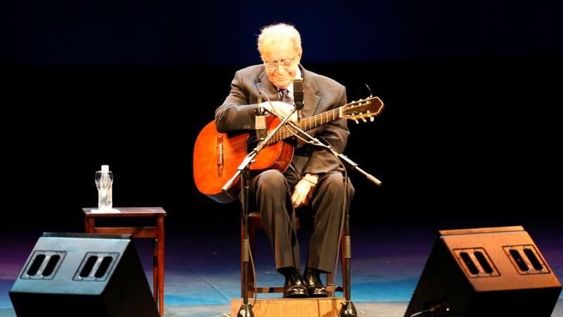 Morre João Gilberto, o Pai da Bossa Nova, aos 88 anos