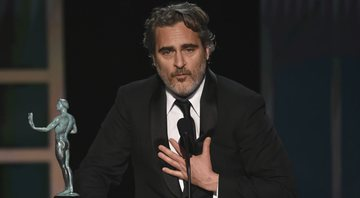 None - Joaquin Phoenix na edição de 2020 do SAG Awards (Foto: Chris Pizzelo/Invision/AP)