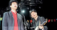 The Good, The Bad and The Queen: Damon Albarn (à esq.) e Paul Simonon: música elegante