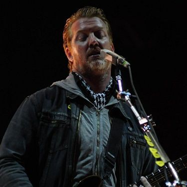 Queens of the Stone Age fez show apoteótico no último dia de SWU