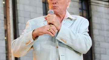 Mike Love fala sobre a reunião dos Beach Boys - AP
