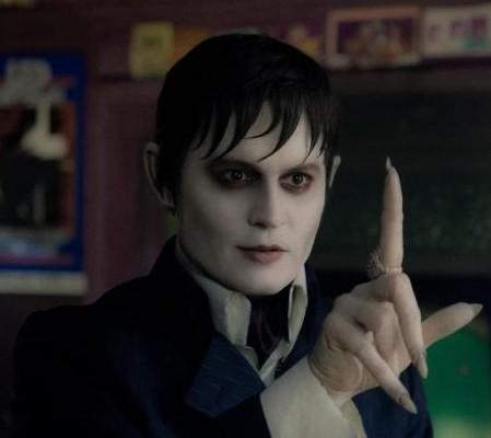 Johnny Depp interpreta o vampiro Barnabas