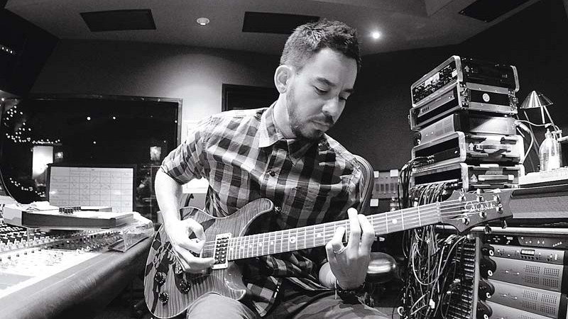 RESGATE Mike Shinoda comanda as gravações do novo disco do Linkin Park