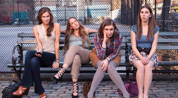 GAROTAS COMUNS Allison Williams, Jemima Burke, Lena Dunham e Zosia Mamet, de Girls -