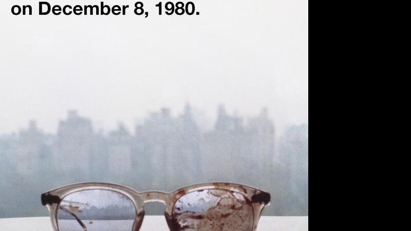 016e200504af3 Óculos John Lennon Reprodução Twitter. Para demonstrar seu apoio ao controle  de armas, Yoko Ono ...
