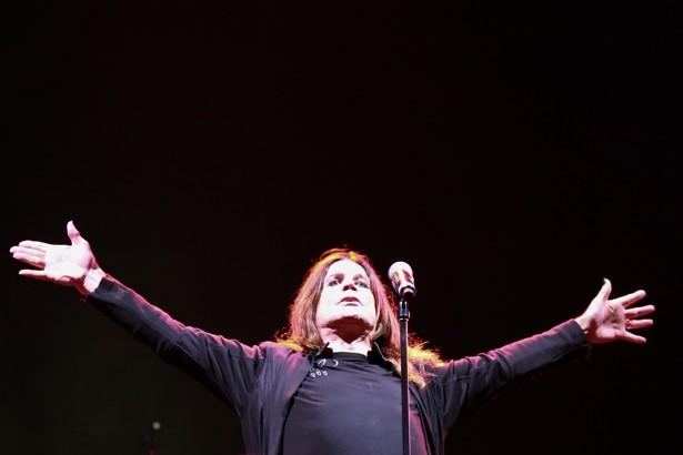 O Black Sabbath abriu a turnê brasileira com show em Porto Alegre. A banda  do 4866d03ffcd3f