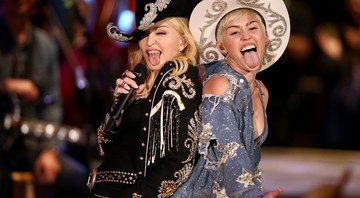 Miley Unplugged: Abre - Sandy M. Cohen / AP