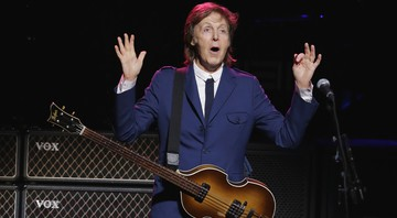 Paul McCartney leva a turnê Out There! para o show beneficente no Tobin Center, em San Antonio, nos Estados Unidos, em outubro de 2014.  - Eric Gay/AP