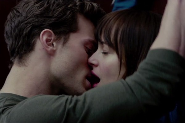 Christian Grey (Jamie Dornan) e Anastasia Steele (Dakota Johnson) no novo trailer de Cinquenta Tons de Cinza