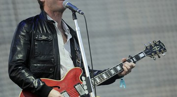 Noel Gallagher se apresenta no festival Coachella, no deserto californiano, em abril de 2012.  - Chris Pizzello/AP