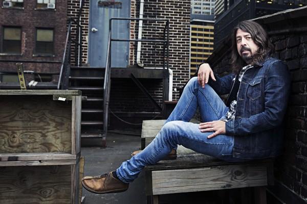 Rolling Stone · Dave Grohl, o cara mais ocupado do rock, fala sobre a vinda do Foo Fighters ao Brasil