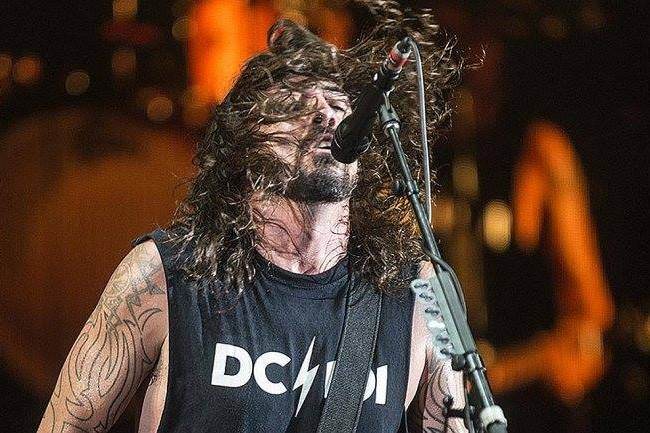 Dave Grohl à frente do Foo Fighters