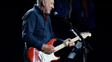 Pete Townshend, em performance com o The Who - Jeff Daly/AP