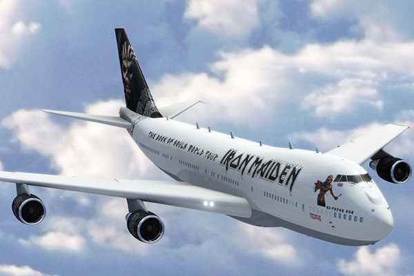 Iron Maiden e seu avião customizado para a turnê do disco The Book of Souls
