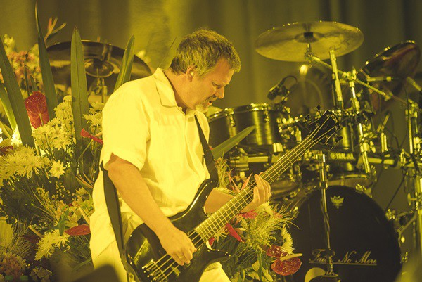 Billy Gould, baixista do Faith No More.