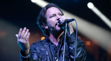 O vocalista Eddie Vedder durante show do Pearl Jam no The Wells Fargo Center, na Filadélfia, Estados Unidos, em abril de 2016 - Rex Features/AP