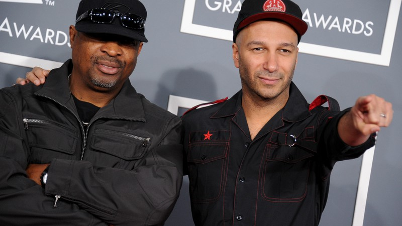 Tom Morello (Rage Against the Machine) e Chuck D (Public Enemy) na premiação do Grammy de 2013