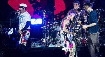 Red Hot Chili Peppers durante show no festival Roskilde, na Dinamarca, em 2016 - Helle Arensbak/AP