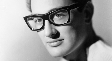 O cantor, compositor e guitarrista norte-americano Buddy Holly em foto de 1959 - AP