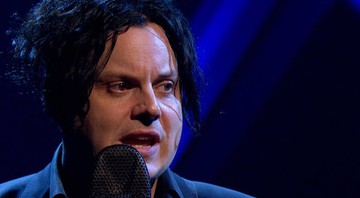 Jack White durante performance no programa Later... With Jools Holland, da BBC - Reprodução/Vídeo