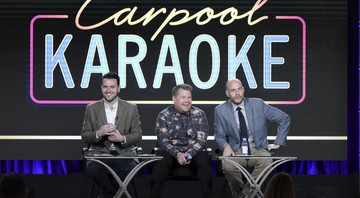 Da esquerda para a direita, Ben Winston, James Corden e Eric Pankowski no painel do Carpool Karaoke, série da Apple Music, na coletiva de imprensa da Television Critics Association - Richard Shotwell/Invision/AP