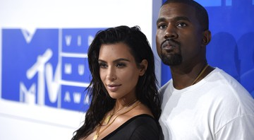 Kim Kardashian e Kanye West na premiação do MTV Music Awards - AP