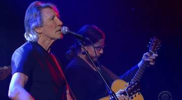 Roger Waters durante performance no programa norte-americano The Late Show - Reprodução/Vídeo