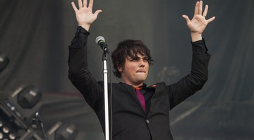 None - Gerard Way, durante show do My Chemical Romance (Foto: Barry Brecheisen/Invision/AP)