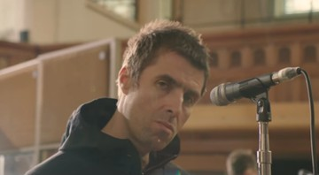 "Liam Gallagher em videoclipe de ""For What It's Worth"" - Reprodução/Vídeo"