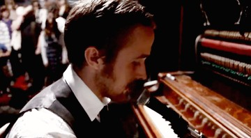 "Ryan Gosling no clipe de ""In The Room Where You Sleep"", do Dead Man's Bones - Reprodução/Vídeo"
