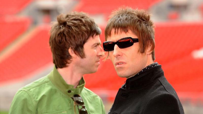 Liam Gallagher convidará Noel para o casamento 'porque nossa mamãe pediu'