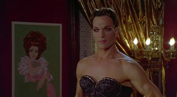 None - Patrick Swayze no filme To Wong Foo, Thanks For Everything! Julie Newmar (Foto: Divulgação)