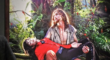 "None - A obra ""American Jesus: Hold me, carry me boldly"", do artista David LaChapelle (Foto:AP Photo/Martin Meissner)"