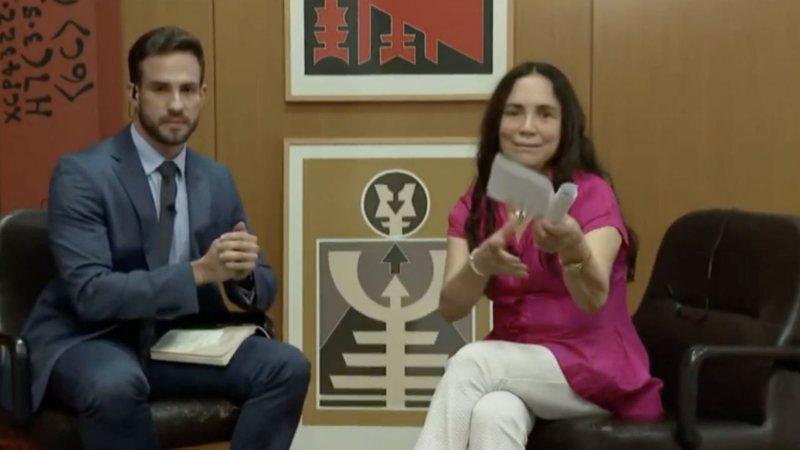 Absurdo: Regina Duarte é constrangida por jornalistas da CNN Brasil em entrevista