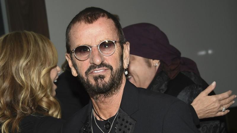 Rolling Stone · 6 curiosidades sobre a vida dolorosa de Ringo Starr: Do alcoolismo até a morte da primeira esposa